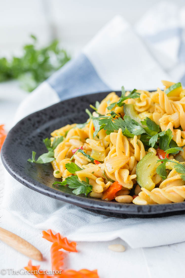 Red lentil pasta with courgette and lime