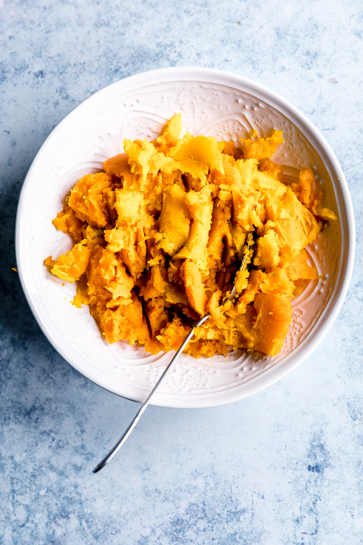 Easy Pumpkin Puree from Scratch